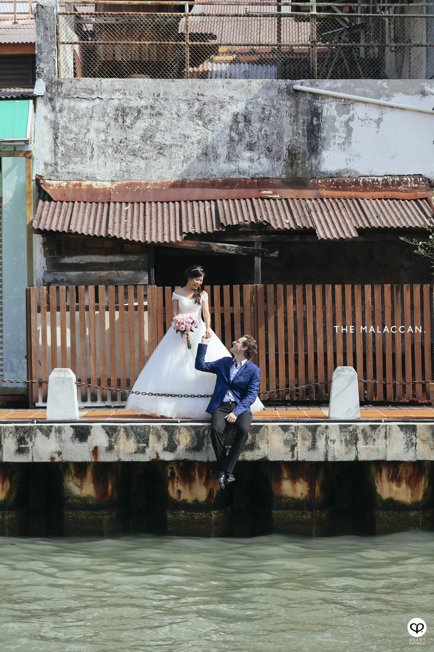 prewedding portrait photography malacca melaka jonker stadthuys heritage riverwalk riverside